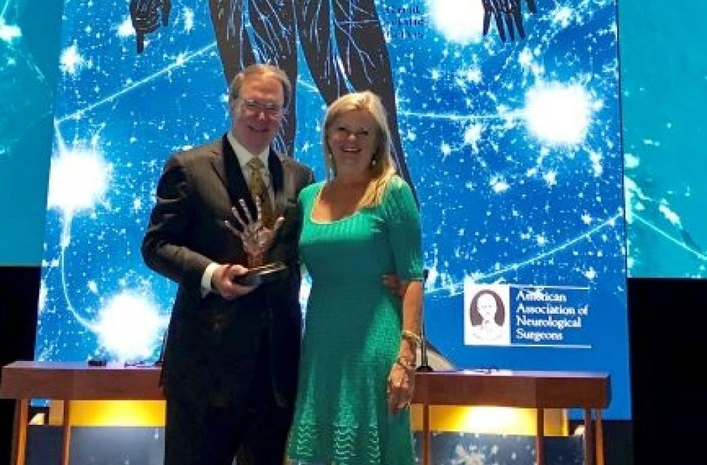 Dr Foley AANS Award 0 f6d893f2249d31a3002f51d8212e92b6